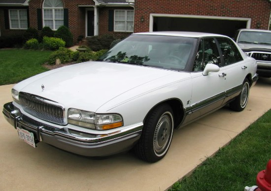 1993 buick park avenue weight