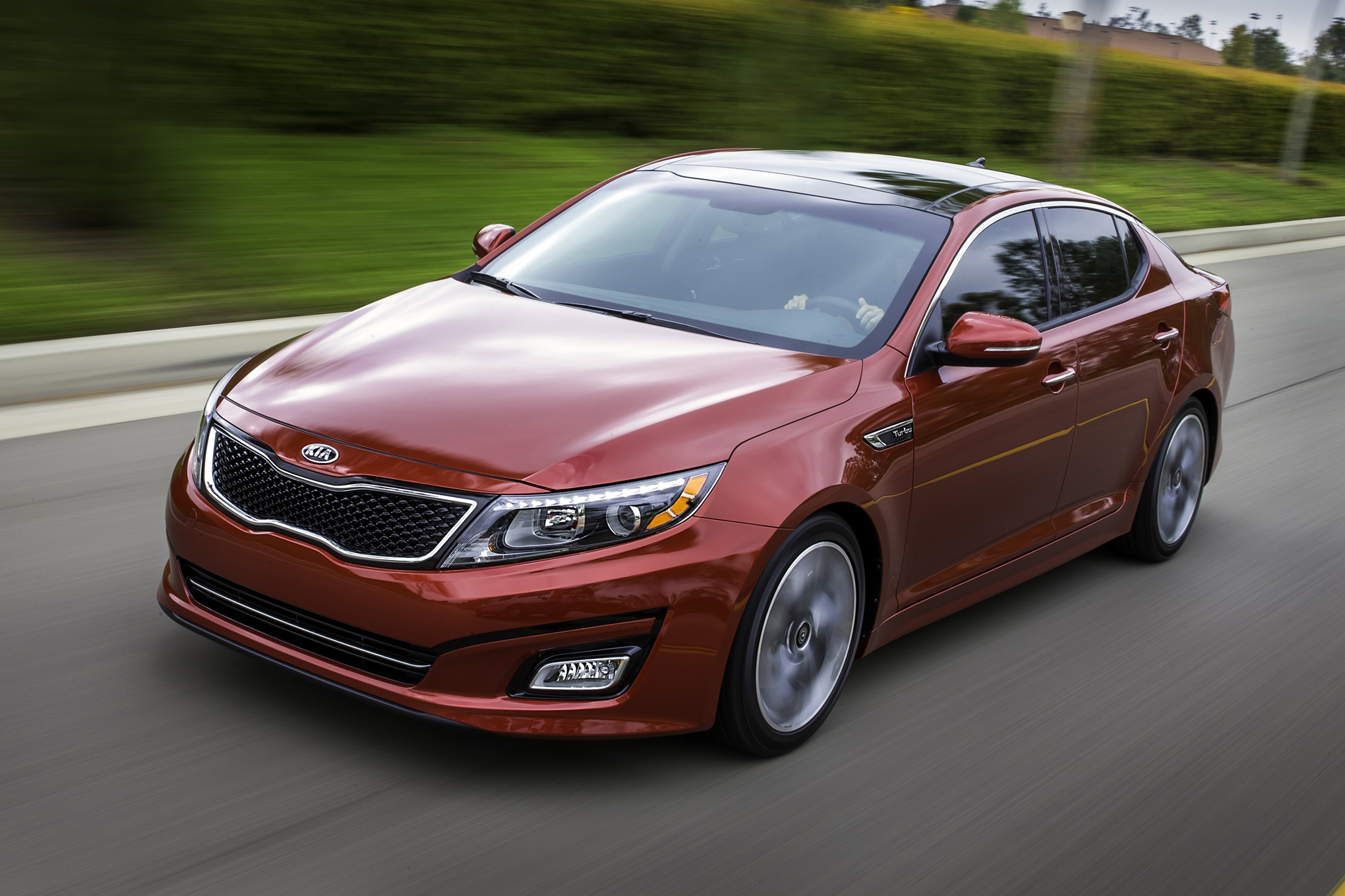 2015-Kia-Optima-front-end-in-motion